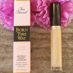 NIB Too Faced Born This Way Radiant Concealer